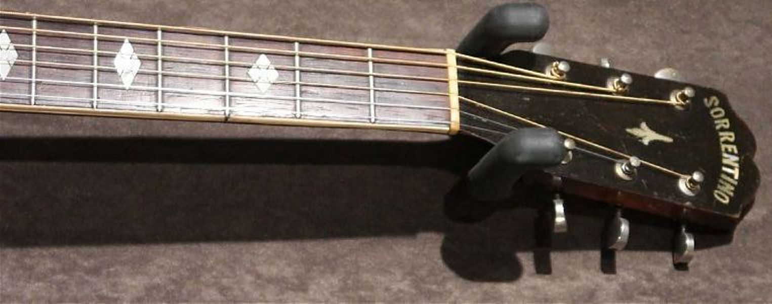 1934 Sorrentino headstock front